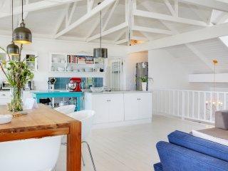 Bright 4 bedroom Kommetjie House with Internet Access - Kommetjie vacation rentals