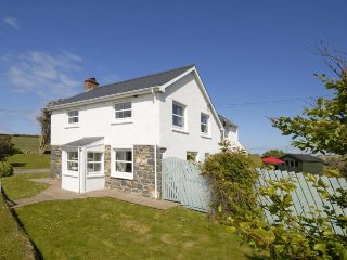 Lovely 3 bedroom House in Goodwick - Goodwick vacation rentals