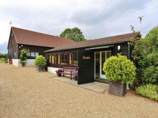 Liitle Beeches Studio Near Woodbridge, Waldringfield, Felixstowe - Martlesham vacation rentals