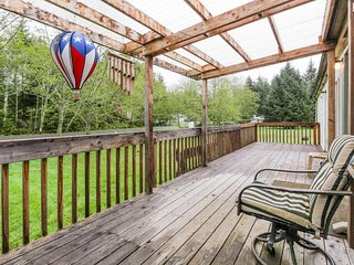Dog-friendly, peaceful home just moments from beach, lake, and sights of Forks! - Forks vacation rentals