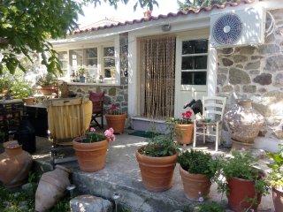 Arcadia Studio Your peaceful retreat... - Eresos vacation rentals