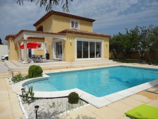 Nice Villa with Shared Outdoor Pool and Parking - Marseillan Plage vacation rentals