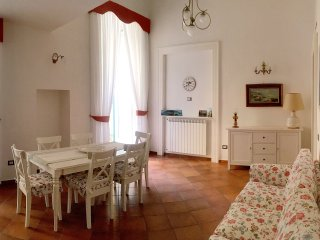 2 bedroom House with Internet Access in Fuorigrotta - Fuorigrotta vacation rentals