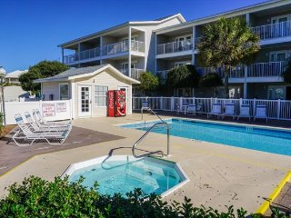 Summerspell # 306 *GREAT 1 BEDROOM CONDO WITH VIEWS OF THE GULF* - Destin vacation rentals