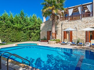 Villa Asteri - 4BD Stone-built villa with unique interior & private pool. - Asteri vacation rentals