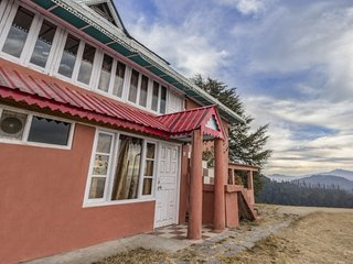Cosy room with a stunning view, ideal for a couple - Shimla vacation rentals