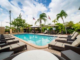 STUDIO-SUITE Pool BBQ Garden 3 max *SPECIAL*^11 - Hollywood vacation rentals