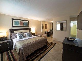 STUDIO/CONDO POOL GARDEN BBQ 3 Max *SPECIAL* ^10 - Hollywood vacation rentals