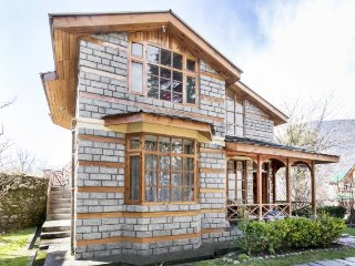 Stately 3-BR cottage for nature lovers, close to an art gallery - Manali vacation rentals