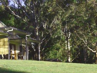 Suite 3 - The Lodge Mapleton Falls (Montville, Maleny, Kondallila, Sunshine) - Mapleton vacation rentals