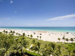 Renovated 1 BR Steps from Ocean, Walk EVERYWHERE! 1TT1Da - Miami vacation rentals