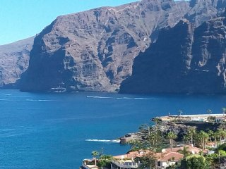 Large family apartment with a beautiful view of the sea and the cliffs - Los Gigantes vacation rentals