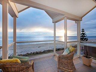 Cozy 3 bedroom House in Henley Beach - Henley Beach vacation rentals