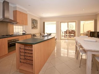 Nice House with Internet Access and A/C - Unley vacation rentals