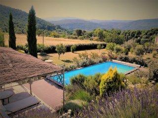 Charmant studio 20m2 piscine et jardin - Saint-Zacharie vacation rentals