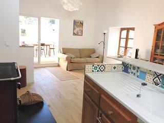 La Petite Maison, Larzac Méridional - La Vacquerie-et-Saint-Martin-de-Castries vacation rentals
