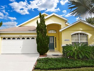 Cheery 5Bed 4Bath home with private pool/spa, lake view & game room from $125/nt - Clermont vacation rentals