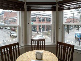 St. John's # 203 - 2 BR, Sleeps 6 - Great Location - Seattle vacation rentals