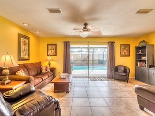 June/July $pecials - Luxury Pool Home - Steps To The Ocean - 3BR/2BA - #352 - Daytona Beach vacation rentals