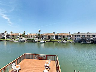 4BR Townhouse on Canal w/ 3 Decks & Private Dock - Chapman Ranch vacation rentals