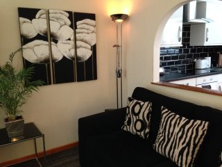 Glasgow Self Catering Boswell Apartment (Ground) 4 Star - South Side (Langside) - Glasgow vacation rentals