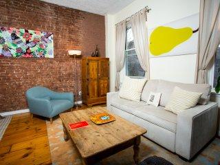 Spacious 2 bed/2 bath (entire 3rd floor) - New York City vacation rentals