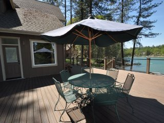 Luxury Lakefront LOCATION! 50yds>Marina Beach 2-Master Suites Dock Near Yosemite - Groveland vacation rentals