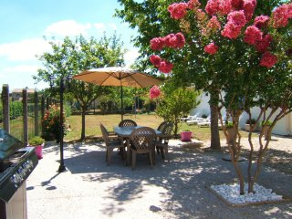 Nice House with Internet Access and A/C - Castelnau-de-Médoc vacation rentals