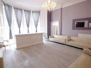 Princes Street Party Group Townhouse Sleeps 30 Edinburgh Apartment - Edinburgh vacation rentals