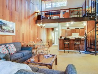 Centrally-located with shared pool - close to the lake and skiing! - Kings Beach vacation rentals