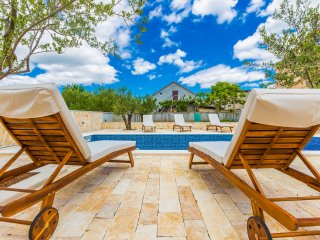 Tina Villa with private swimming pool, barbacue - Zadar vacation rentals