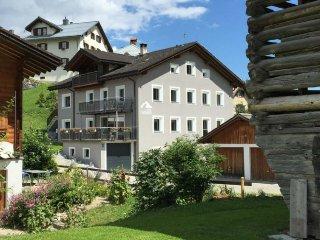 4 bedroom Apartment in Obersaxen Flond, Surselva, Switzerland : ref 2299400 - Rueun vacation rentals