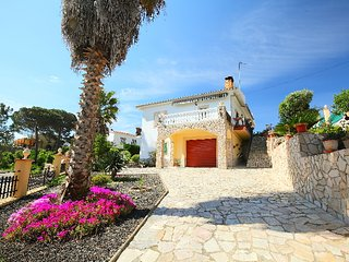 4 bedroom Villa in Lloret de Mar, Costa Brava, Spain : ref 2298943 - Riudarenes vacation rentals