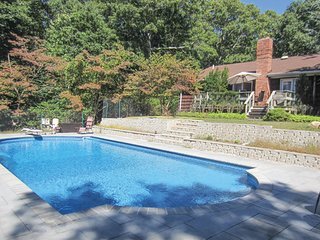 SOUTHAMPTON, LUXURY 4 BED 2 BATH WITH NEW POOL!!!! - Southampton vacation rentals