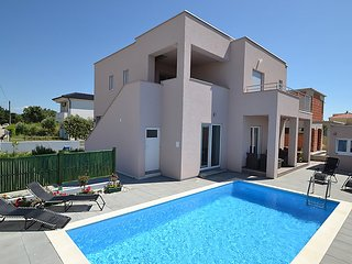 4 bedroom Villa in Zaton, North Dalmatia, Croatia : ref 2296111 - Zaton vacation rentals