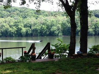 RIVERKEEPER INN, Waterfront Cottage on the Potomac - Harpers Ferry vacation rentals