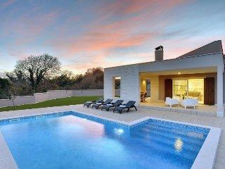 2 bedroom Villa in Labin, Istria, Croatia : ref 2253577 - Kavran vacation rentals