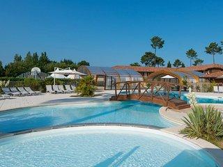 2 bedroom Villa in Biscarosse, Les Landes, France : ref 2253262 - Parentis-en-Born vacation rentals