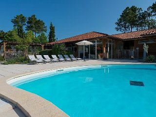 3 bedroom Villa in Biscarosse, Les Landes, France : ref 2253261 - Parentis-en-Born vacation rentals