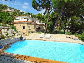 4 bedroom Villa in Lloret de Mar, Costa Brava, Spain : ref 2250380 - Blanes vacation rentals