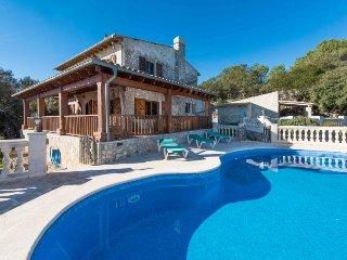 5 bedroom Villa in Esporles, Mallorca, Mallorca : ref 2242240 - Puigpunyent vacation rentals