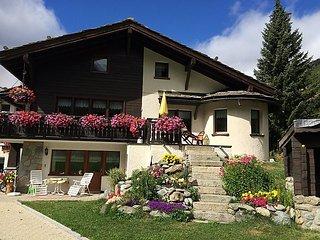 4 bedroom Apartment in Saas Grund, Valais, Switzerland : ref 2241739 - Saas-Fee vacation rentals