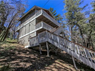 Cozy 2 bedroom City of Big Bear Lake House with Deck - City of Big Bear Lake vacation rentals