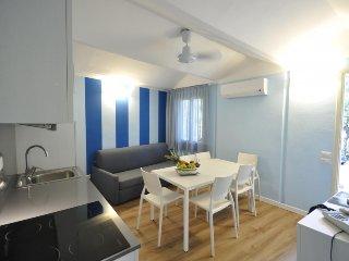 2 bedroom Villa in San Vincenzo, Costa Etrusca, Italy : ref 2215400 - San Vincenzo vacation rentals