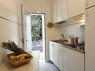 2 bedroom Villa in San Vincenzo, Costa Etrusca, Italy : ref 2215399 - San Vincenzo vacation rentals