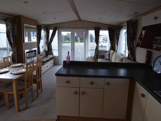 Nice Caravan/mobile home with Game Room and Television - Birchington vacation rentals