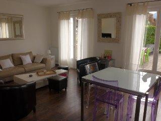 2 bedroom Villa in Saint Cyr/Les Lecques, Cote d Azur, France : ref 2162746 - Les Lecques vacation rentals