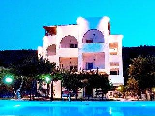 10 bedroom Villa in Marathonas, Atene, Greece : ref 2097990 - Agios Panteleimon vacation rentals