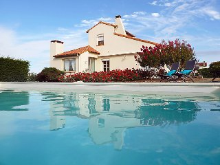 5 bedroom Villa in Vaux Sur Mer, Poitou Charentes, France : ref 2059729 - Pontaillac vacation rentals
