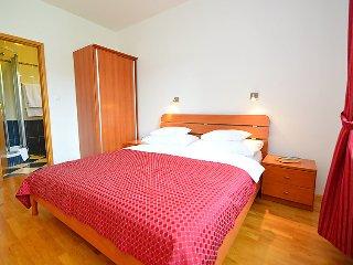 4 bedroom Villa in Zaton (Sibenik), Central Dalmatia, Croatia : ref 2057511 - Raslina vacation rentals